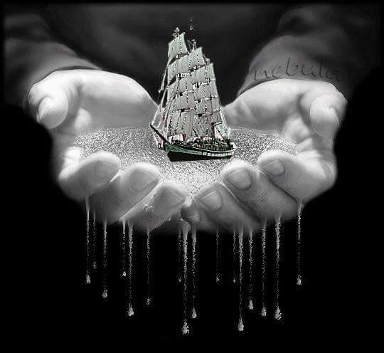 Resultado de imagen de barco entre las manos