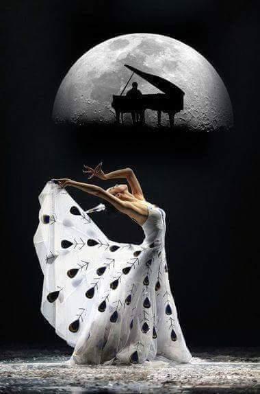 mujer piano